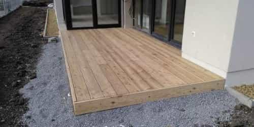 Dřevěná_terasa_svépomocí