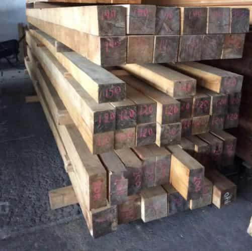 Dřevěný trám 100 x 200 mm