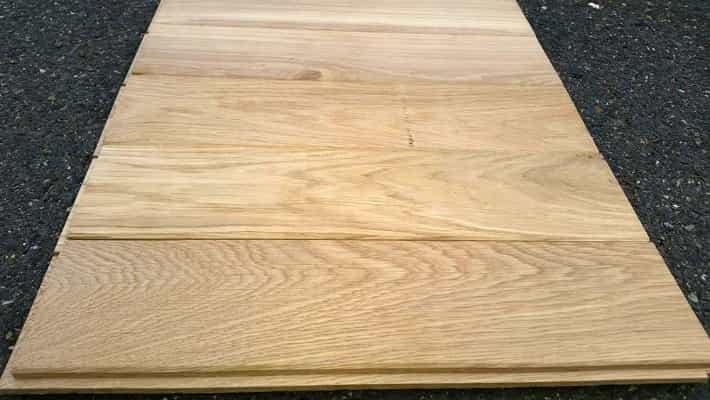 Dřevěná dubová podlaha 20mm x 161mm x 0.5m - 0.9m